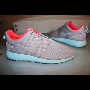 Men's 13 Nike Roshe Run Nike ID Yeezy custom